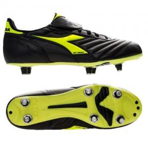 stock scarpe da calcio